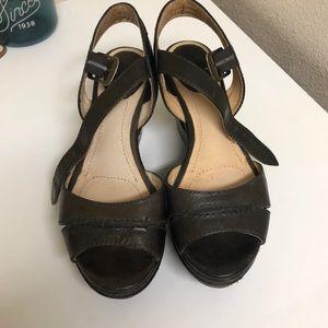 Charlie Seam Brown leather Frye wedge sandal